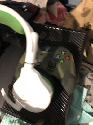 Xbox one bundle for Sale in Brooklyn, NY