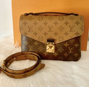 Louis Vuitton Pochette Metis Bag for Sale in Beverly Hills, CA