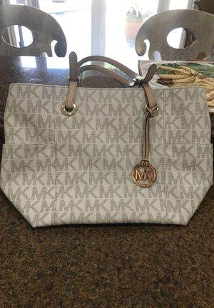 Michael Kohs- Tan brown and cream for Sale in Coral Springs, FL