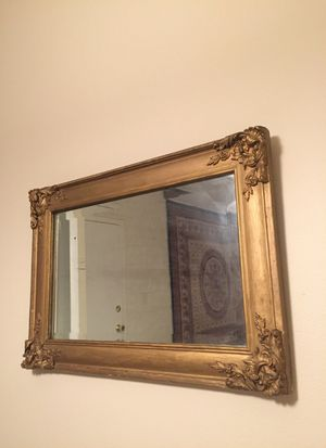 Antique wooden frame and mirror for Sale in Columbus, OH