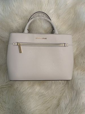 Michael kors purse and wallet for Sale in Parlier, CA