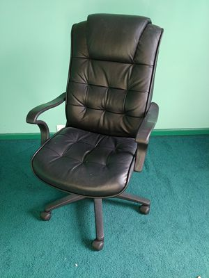 Office chair for Sale in Virginia Beach, VA