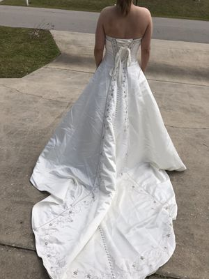 Beautiful Wedding Dress for Sale in Cape Coral, FL