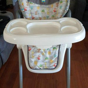 Baby Trend High Chair for Sale in Santa Ana, CA