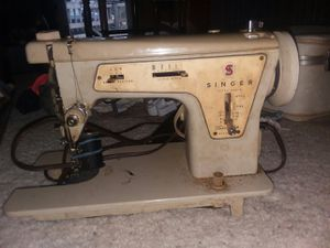 Vintage Antique Singer Sewing Machine for Sale in Fairfield, IA