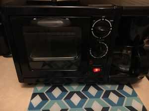 Coffee maker, Toaster, fryer all in one ! for Sale in Central Falls, RI