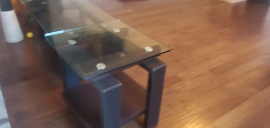 Coffee Table And Side Table for Sale in Austin,  TX