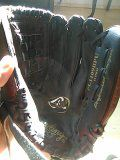 Women's softball glove for Sale in Kingsburg, CA