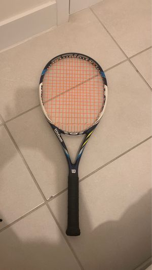 Tennis racket wilson juice100L for Sale in Doral, FL