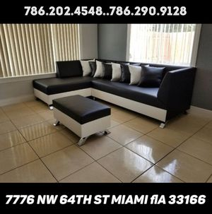 Beautiful sectional couch for sale brand new for Sale in Medley, FL