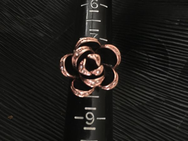 Women Men's camellia Flower Ring Back size 8 Gold Plated