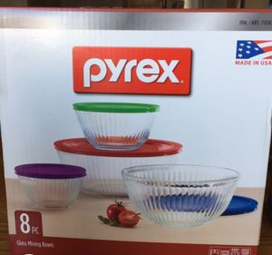 pyrex 8 pc glass mixing bowls for Sale in Henderson, NV