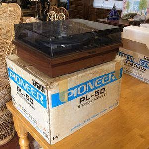 Vintage Pioneer PL-50 Stereo Turntable in box! (Won't turn) for Sale in Mendon, MA