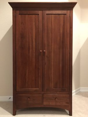 Ethan Allen Cherry Wood Armoire for Sale! for Sale in Pembroke Pines, FL