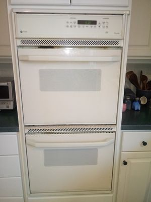 GE Double wall oven for Sale in Lynchburg, VA