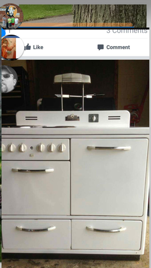 Antique electric stove for Sale in Marengo, OH