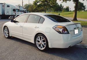 Very Clean 2007 Nissan Altima New Tires for Sale in Lansing, MI