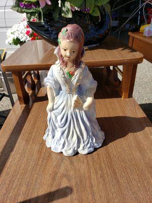 Beautiful Figurine for Sale in Auburn, WA