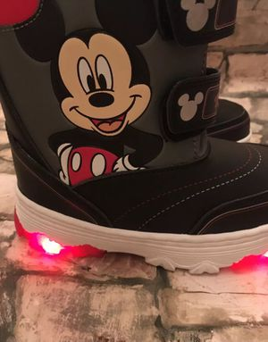 Disney Mickey Mouse Light Up Snow Boots For Kids Size 11. for Sale in Baltimore, MD