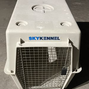 "Large SkyKennel Dog Crate - 36""x24""x26"" for Sale in Livermore, CA"