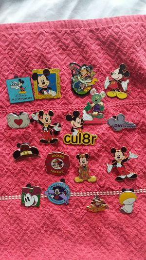 Disney pin lot 17 mickey mouse pins w hidden mickeys for Sale in Oviedo, FL