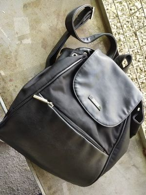 $20 GUESS SPORT BACKPACK for Sale in Las Vegas, NV