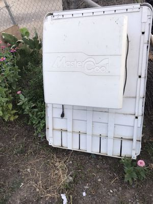 Cooler for Sale in Fontana, CA