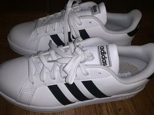 Adidas Women's Size 9 Sneakers for Sale in Buffalo, NY