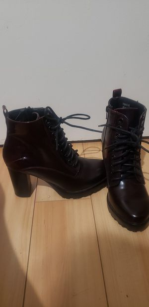 Dark burgundy heeled boots for Sale in Garden Grove, CA