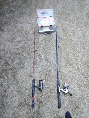 2 complete rods w\ bunch of tackle for Sale in Everett, WA