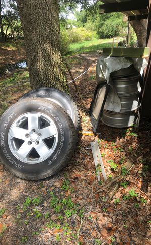 Jeep tires & rims for Sale in Clearwater, FL