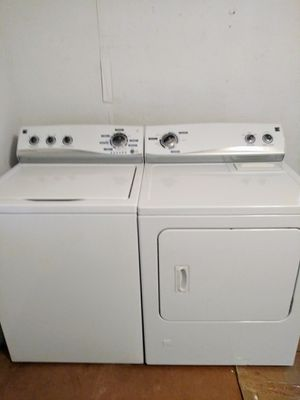Kenmore he technology washer and gas dryer set 3 years old for Sale in Pittsburgh, PA