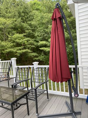 10 ft hanging patio umbrella (new) for Sale in Avon, MA