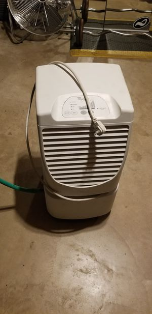Dehumidifier whirlpool 65 pints for Sale in Sugar Grove, IL