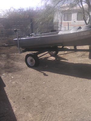 12 ft aluminum boat for Sale in Buckeye, AZ