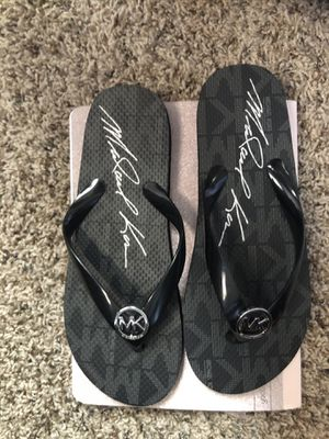Michael kors flipflops for Sale in Chandler, AZ