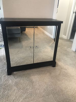 Mirrored nightstands set of two with storage for Sale in Chelan, WA