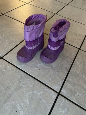 Snow boots for girls for Sale in Long Beach, CA