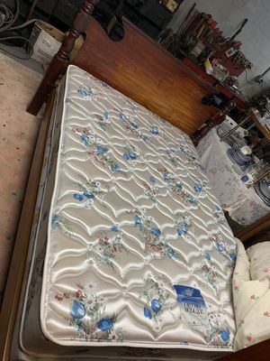 Bedroom set with full size mattress and boxspring for Sale in Aliquippa, PA