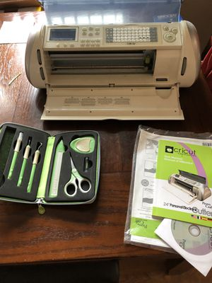 """Cricut expression 24"""" cutter with cartridges for Sale in New Lenox, IL"""