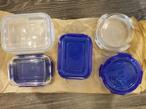 Glass Food Storage Containers + 2 freebies for Sale in Seattle, WA