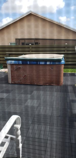 Free! Jacuzzi for Sale in Boca Raton, FL
