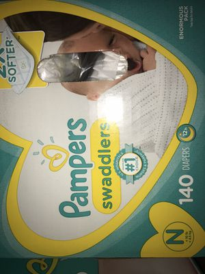 Pampers newborn 140 count for Sale in Chicago, IL