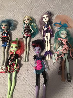 Monster high dolls (you get all 6) for Sale in Malden, MA
