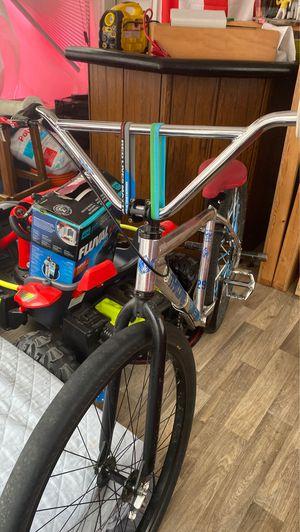 Throne bike for Sale in Dracut, MA