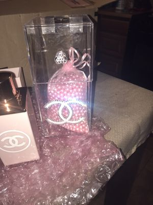 Chanel makeup brush holder for Sale in Perris, CA