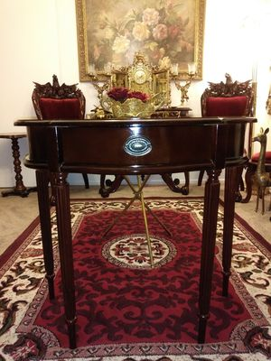Beautiful half moon entry table with drawer for Sale in Thornton, CO