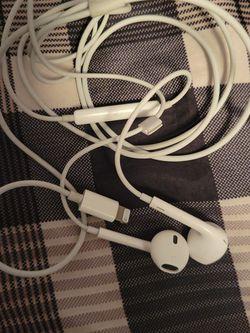Apple Headphones for Sale in Grandview,  WA