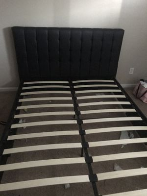 Queen size headboard and bed frame for Sale in Greenville, NC