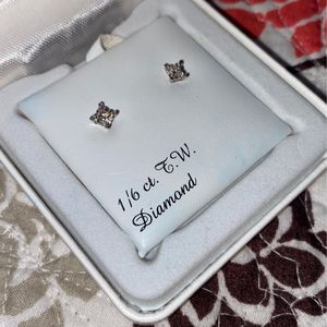 Diamond Stud Earrings for Sale in West Columbia, SC